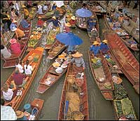 Wat Sai Floating Market